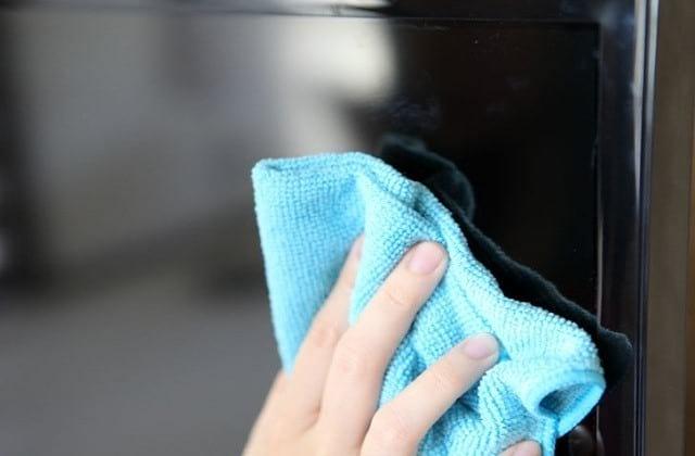¿Cómo limpiar correctamente la pantalla de su televisor o monitor? 2