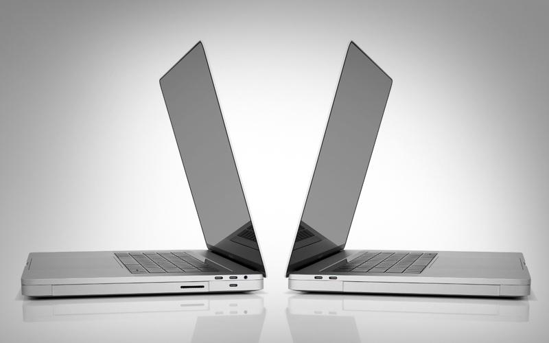 CES 2017: esta última base devuelve al MacBook Pro todo lo que ha perdido 1