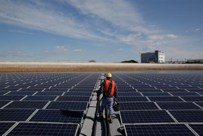 Apple dice que ahora funciona con energía 100% renovable