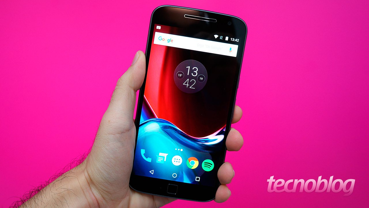 Motorola dice que no reduce el rendimiento debido a la batería, a diferencia de Apple