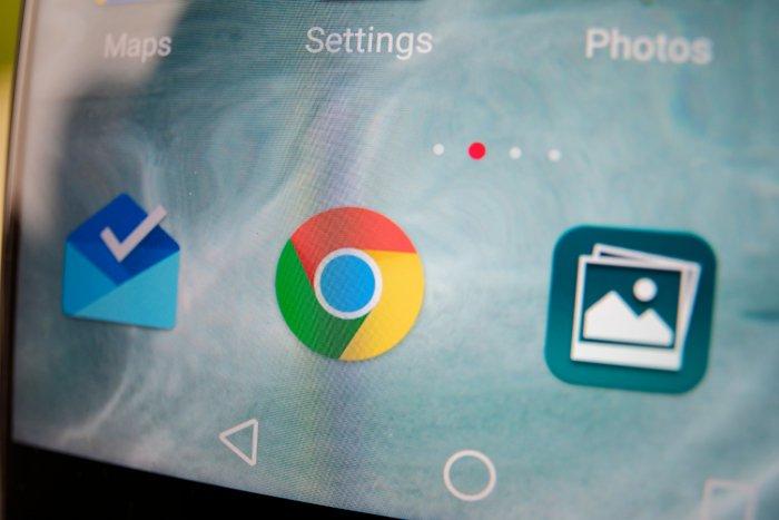 Google Chrome amplía el modo oscuro en las pruebas de Android