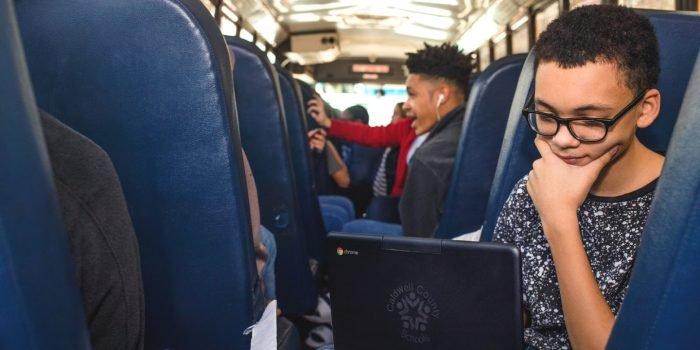 Google pone Wi-Fi y Chromebooks gratuitos en 70 autobuses escolares de EE.UU. 1