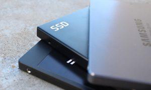"""Samsung ahora vende una impresionante unidad SSD 2.5″ de 15 TB por 0,59€ / GB """"solamente""""!"""