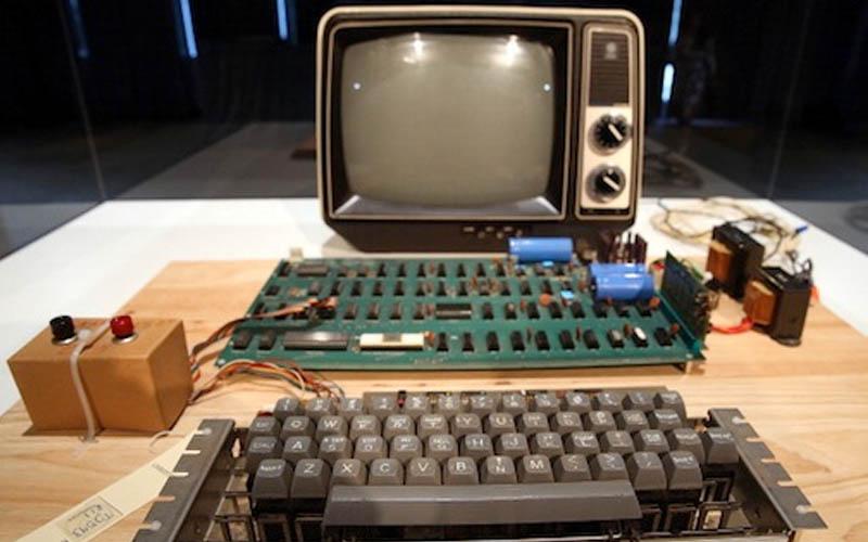 Un Apple-1 que acaba de venderse en una subasta por 101.325 dólares, ¡por poco! 1