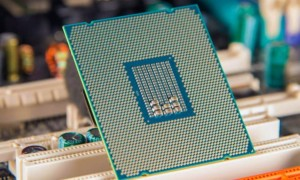 Core i7 8086K: Intel presenta un procesador de 28 núcleos y un reloj de 5 GHz