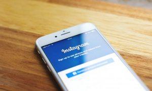 ¿Es seguro iniciar sesión con cuentas de Facebook y Google?