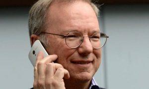 Eric Schmidt deja el comando de Alphabet, propietario de Google