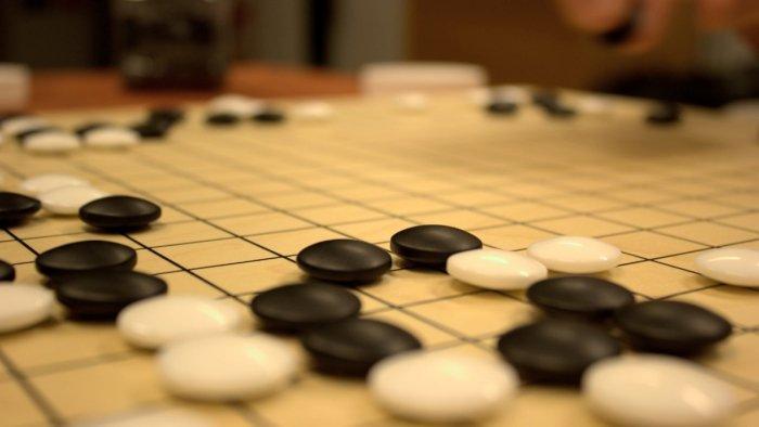 Google AI aprende a jugar al ajedrez solo y gana el campeonato mundial 2