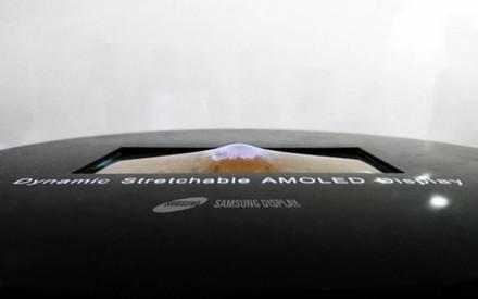 Samsung: la pantalla OLED extensible muestra por fin su increíble flexibilidad en vídeo