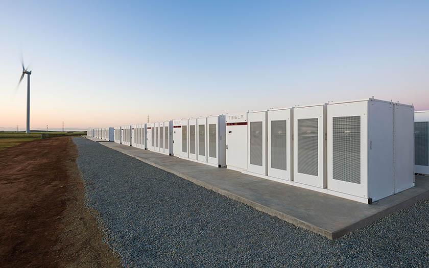 Tesla construyó la batería Li-On más grande del mundo: ¡100 megavatios!