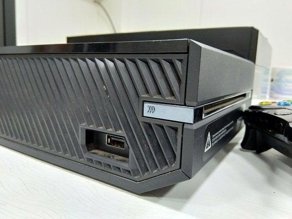 Cómo reconectar el mando de la Xbox One inalámbrica con la consola 1