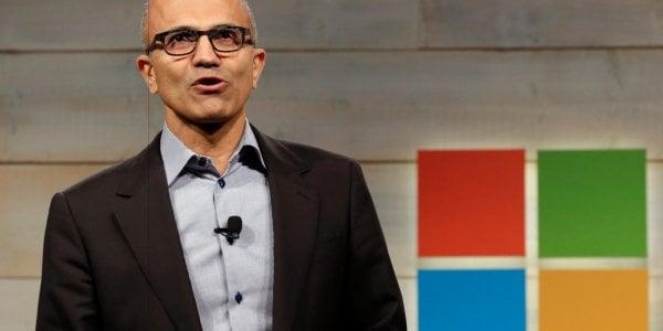 ¿Cómo puede Microsoft competir con Facebook y Google en la India?