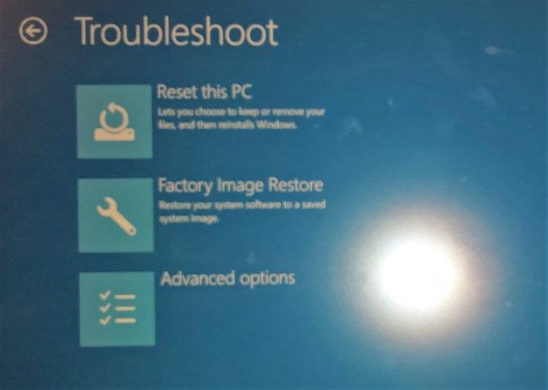 Restablecer y restaurar la imagen y la configuración de fábrica en Windows 10