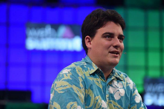 El cofundador de Oculus deja Facebook en medio de controversia 1