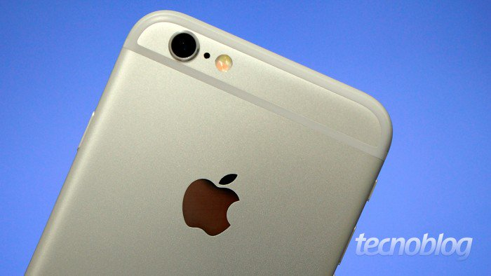Apple demanda por ralentizar iPhones viejos