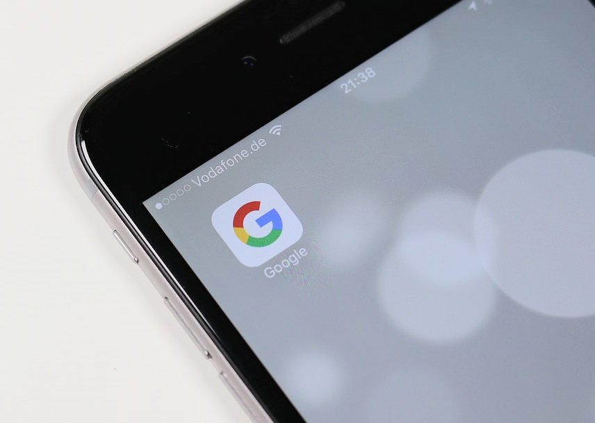 Google pagaría $ 3 mil millones anuales para ser un buscador estándar en iOS