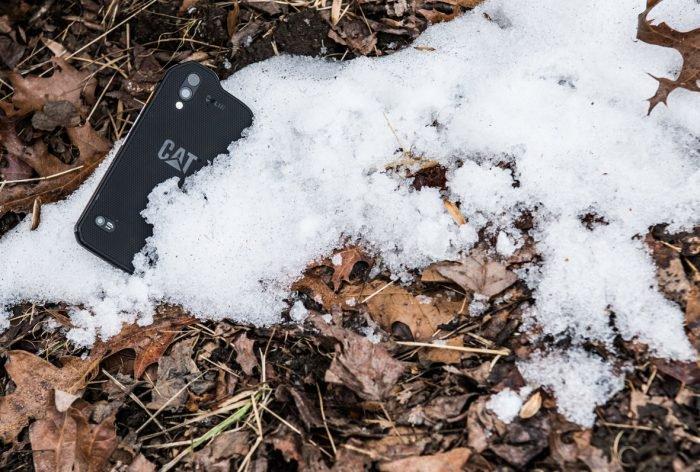 Caterpillar S61 es un teléfono inteligente resistente con cámara térmica 2