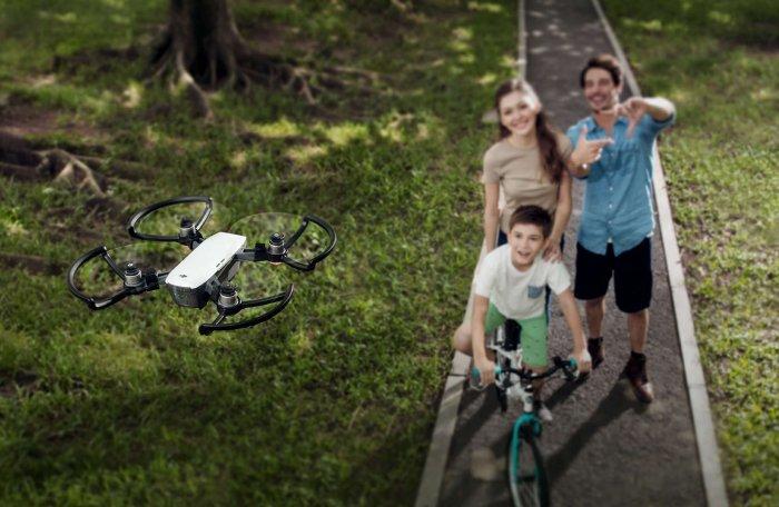 El dron más barato de DJI tiene una cámara de 12 megapíxeles y reconoce los gestos con las manos 2