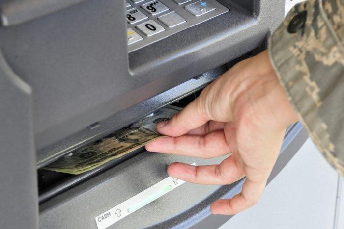 FBI advierte sobre estafa de cajeros automáticos que afectará a bancos de todo el mundo 1