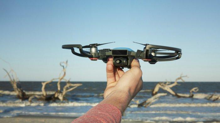El dron más barato de DJI tiene una cámara de 12 megapíxeles y reconoce los gestos con las manos 3