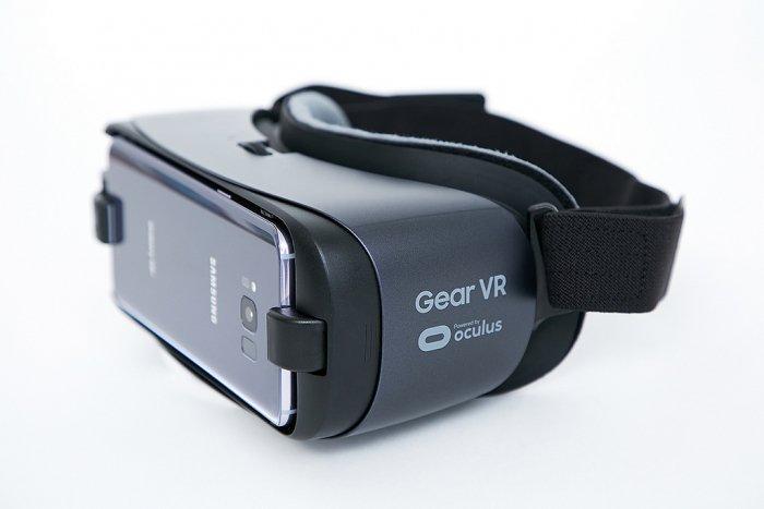 Samsung Gear VR obtiene el control de la realidad virtual y Gear 360 Records 4K Video 3