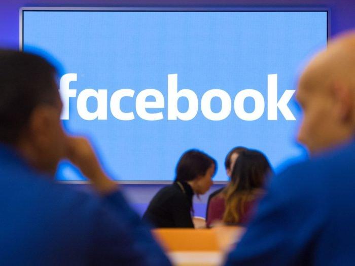 Facebook promete reducir la recopilación del historial de llamadas y los SMS en Android 1